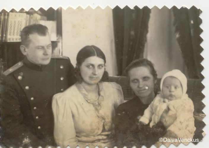 Chapter 3 - Jonas, Brone, Paulina and Dad in 1937