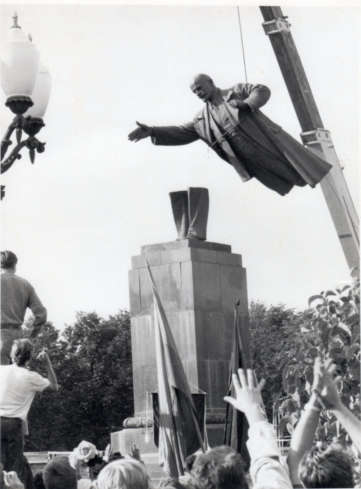 August 23, 1991: Lenin is Torn Down