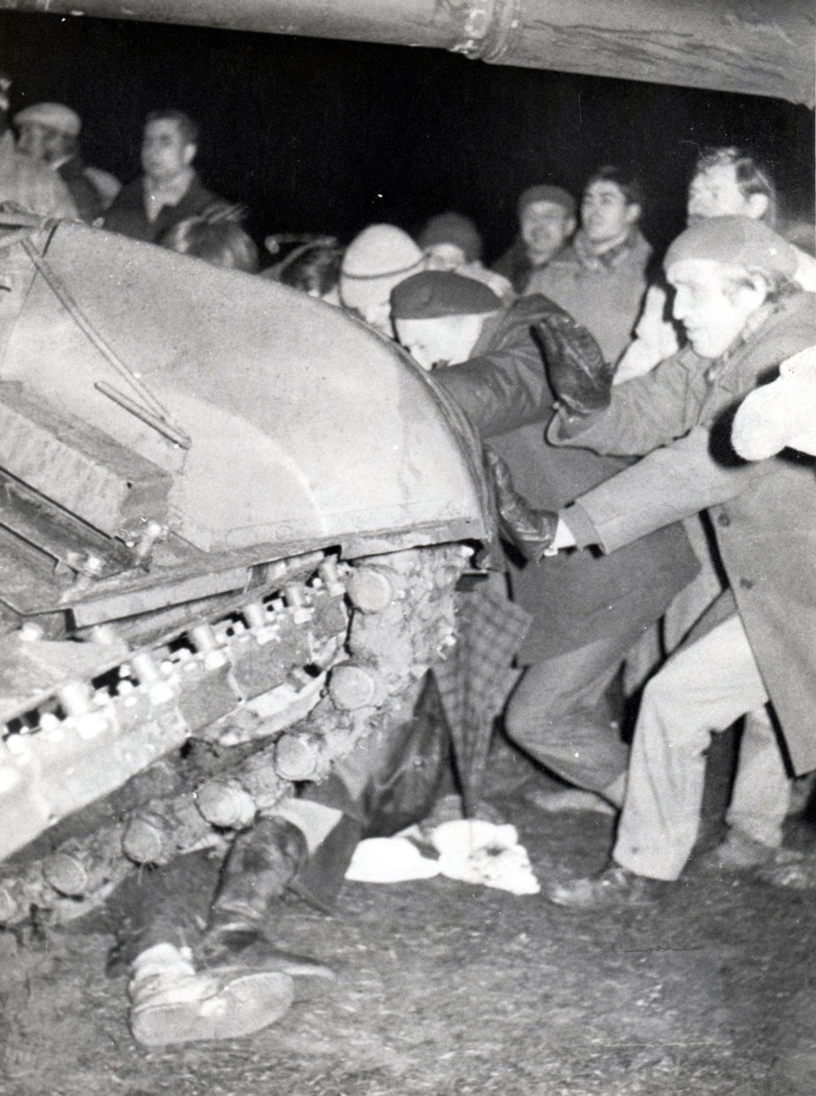 January 13, 1991, 1:00am-2:00am: Deadly Soviet Military Crackdown In Vilnius