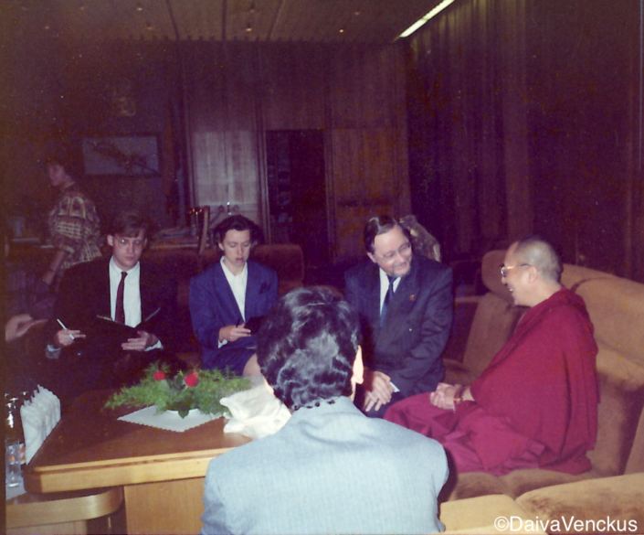 Chapter 40: Darius Takes Notes for Landsbergis' Meeting With the Dalai Lama